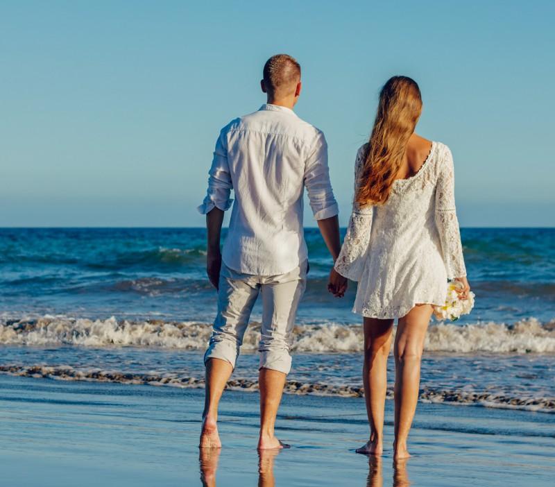 A luglio prezzi speciali per coppie : vacanze tutto incluso a Rimini