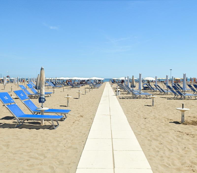 Offerta Ponte del 2 giugno in hotel 3 stelle a Rimini per famiglie